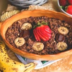 Chocolate Maca Baked Oatmeal - delicious nutirious baked oatmeal recipe you'r going to love! Full of superfoods, really tasty, and easy to make!   thehealthfulideas.com