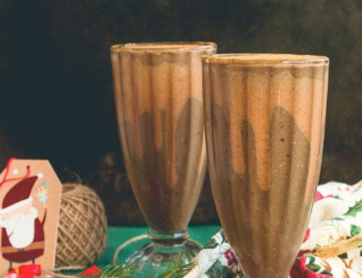 Chocolate Cherry Green Smoothie - delicious smoothie recipe that's great on any day of the week during the holidays! Creamy, sweet, satisfying, and extra chocolatey. | thehealthfulideas.com