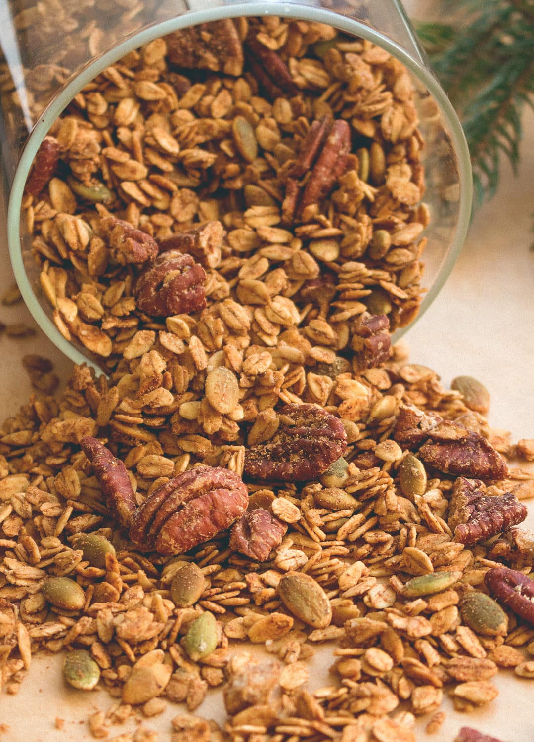 Gingerbread Granola - delicious and healthy alternative to store bought granola that's usually full of sugar. I love this recipe! Gingerbread flavored granola is heavenly, it's the ultimate Christmas snack. | thehealthfulideas.com