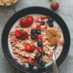 Strawberry Overnight Oats - delicious breakfast for busy days. I love this recipe, it's easy, healthy, and filling. Oats, strawberries, chia seeds, milk, and sweetener - so easy! | thehealthfulideas.com