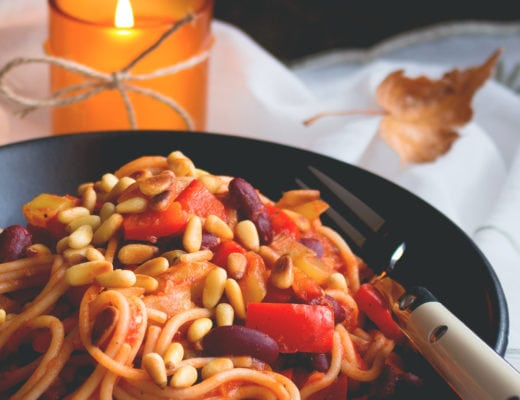 Tomato Spaghetti with Vegetables and Pine Nuts. Vegan & GF made with brown rice pasta, veggies, beans, pine nuts, and tomato sauce. Easy, delicious and really comforting. YUM! | thehealthfulideas.com