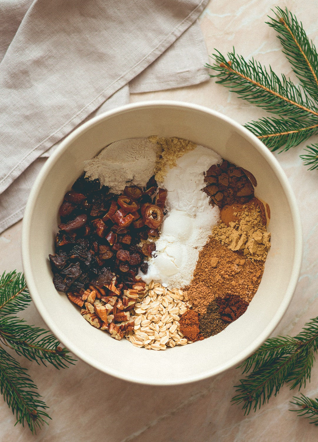 Christmas Spiced Bread with Nuts and Dried Fruit (vegan, gluten-free) - this bread is the perfect start to a crispy Christmas morning. You'll love this recipe! | thehealthfulideas.com