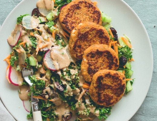 Sweet Potato Quinoa Patties with mixed salad and tahini dressing. This recipe is vegan, gluten-free, and totally amazing! You'll love it. | thehealthfulideas.com